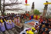 Linh thiêng lễ hội đền Cờn