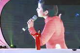 Mỹ Linh chung sân khấu với bạn thân người yêu cũ