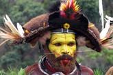 """Thăm bộ tộc nuôi tóc thật để """"chế biến"""" thành tóc giả sặc sỡ"""
