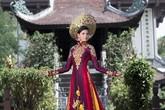 Sao Việt 'gây choáng' với áo dài tiền tỷ
