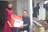 Món quà ấm lòng cho người mẹ nghèo bán dưa nuôi con bại liệt