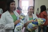 """Chuyện ít biết về cách nuôi cặp sinh non """"siêu  tí hon"""" đầu tiên ở Việt Nam"""