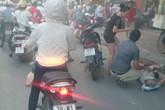 """Hà Nội: """"Xe điên"""" đâm loạn xạ trên phố Kim Mã, nhiều người nhập viện"""