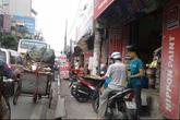 """Hình ảnh luộm thuộm của """"ma trận"""" quảng cáo ở Hà Nội"""