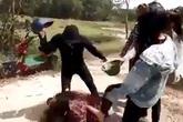 Nhóm nữ sinh đánh bạn bị đuổi học, bồi thường 18 triệu đồng