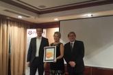 Trao tặng giải thưởng cho hệ thống đăng ký tiêm chủng kỹ thuật số