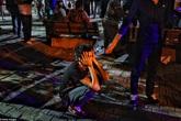Hình ảnh người dân lo lắng, bàng hoàng trong vụ đánh bom tại Thổ Nhĩ Kỳ