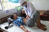 8 người nhập viện sau khi uống nước để qua đêm