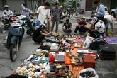 """Khu chợ lạ lùng dễ gây """"nghiện"""" giữa Hà Nội"""