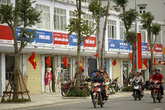 Hà Nội: Xem xét điều chỉnh hệ thống biển hiệu, biển quảng cáo trên tuyến phố
