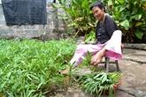 Người phụ nữ 40 năm làm mọi việc bằng chân