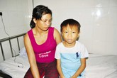 Xót xa cháu bé nghèo 10 tuổi mắc u não hiếm gặp