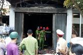 Cháy cửa hàng vàng mã tại Hải Phòng: Mẹ hoảng loạn đòi lao vào biển lửa cứu con