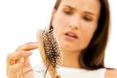 Rụng tóc có phải là triệu chứng của ung thư?