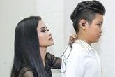 """Giọng hát Việt nhí: Giám khảo """"ăn thua"""" hơn cả thí sinh"""