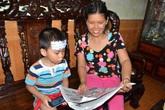 Xem bé trai hơn 2 tuổi đọc vanh vách khi không biết chữ