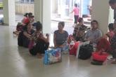 Bệnh nhân ung thư khốn khổ vì nắng nóng khủng khiếp ở Hà Nội