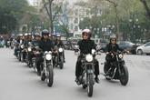 MC Anh Tuấn dẫn đầu đoàn mô tô tiễn đưa ca sĩ Trần Lập