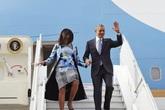 """Hình ảnh: """"Nắm tay nhau đi hết cuộc đời"""" của vợ chồng Tổng thống Obama"""
