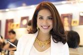 Phạm Hương đeo trang sức vàng 1 tỷ dự event