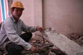 Hà Nội: Tháo dỡ 4 căn nhà nghiêng như tháp Pisa