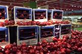 Nghi ngại về hạn sử dụng của táo mỹ đỏ ở Big C