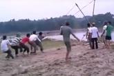 """Tuyên Quang: Dân dùng """"luật làng"""" đối phó với khai thác cát ven bờ sông Lô"""