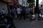 Hà Nội: Đi mua đá lạnh một cụ bà bị đột tử giữa trời nắng
