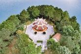 Bí ẩn gia tộc từ ngôi đền thiêng trên hồ Kẻ Gỗ