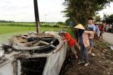 Nghi giám đốc doanh nghiệp bắt cóc trẻ con, người dân tỉnh Hải Dương đốt xe ô tô