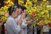 Đi lễ chùa nên vái mấy lần, cầu gì để không bất kính?