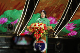Bộ trưởng Bộ Y tế hát chào mừng ngày Thầy thuốc Việt Nam