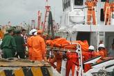 Vụ chìm tàu ở Nghệ An: Tìm thêm một thi thể thuyền viên gặp nạn trong khoang tàu
