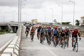 """Kỳ lạ đoàn đua xe đạp """"Về Trường Sơn 2017"""" đi qua tâm bão nhưng không gặp bão"""