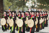 Ngất ngây vẻ đẹp của những cô gái Kinh Bắc ở lễ hội Lim