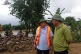 Thanh Hóa: Dùng máy múc vá đê sông Cầu Chày cứu nguy cho hàng nghìn hộ dân