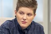 Chàng trai mang thai đầu tiên ở Anh bị dọa giết