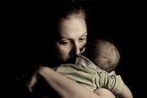 """Mẹ bỏ con 9 tháng tuổi đi du lịch - Ai cũng có quyền hạnh phúc, chỉ riêng """"mẹ bỉm sữa"""" thì không?"""