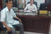 """Ông Huỳnh Văn Nén kêu cứu vì bị """"chiếm đoạt"""" tiền bồi thường oan sai?"""