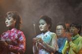 Nghệ sĩ Việt áo dài rực rỡ, thành kính trong Lễ giỗ Tổ nghề sân khấu