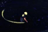 """Cận cảnh nạo vét sông Tô Lịch xuyên đêm trước khi được """"hồi sinh"""" đẹp như tranh vẽ?"""