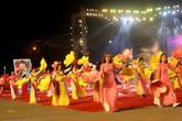 Hàng nghìn người dân Hải Dương xem lễ hội Carnaval trong đêm
