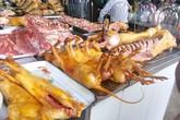 """Thịt """"thú rừng"""" rẻ như bèo la liệt bên lối vào hội chùa Hương"""