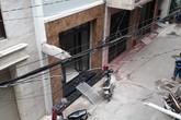 """TP.HCM: Chính quyền """"bối rối"""" bởi một khối bê tông"""