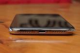 Vì sao smartphone sạc pin chậm?