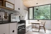 Thiết kế nhà hứng sáng cực thông minh, khỏi tốn nhiều điện cho gia đình trẻ