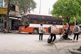 """Hà Nội: Nhiều hãng xe ngang nhiên ra Mỹ Đình lập """"bến cóc"""""""