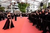 Ngày thứ 3 ở LHP Cannes, Lý Nhã Kỳ quý phái trong sắc màu oải hương