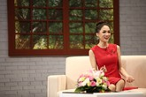 Mẹ Hoa hậu Hương Giang bật khóc: Lỗi của mẹ vì đã sinh con không đúng giới tính thật!