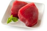 Từ vụ một phụ nữ suýt tử vong do ăn cá ngừ tự nấu, chuyên gia chỉ rõ những điều cần tuyệt đối tránh khi ăn